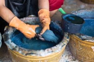 Brûlure chimique : attention aux produits corrosifs
