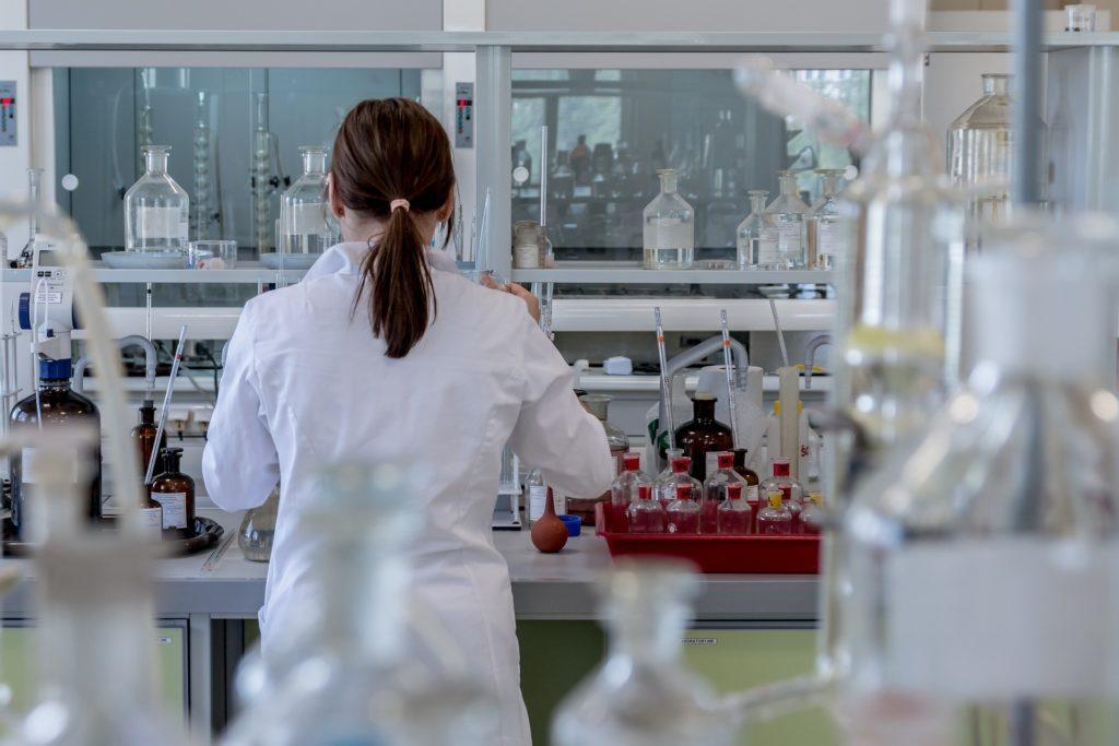 Mélange de produits chimiques incompatibles